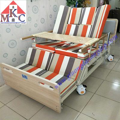 Sale đến 30% các mẫu giường bệnh nhân đa năng điều khiển bằng điện