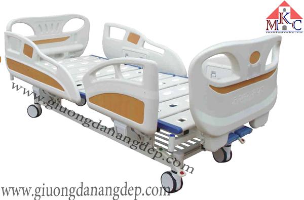 Giường bệnh 3 chức năng điều khiển bằng cơ tay