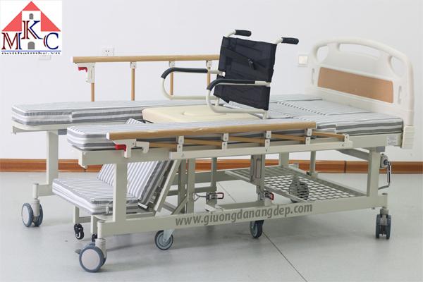 Giường bệnh đa năng MKC tách thành xe lăn điều khiển bằng tay quay có 7 chức năng