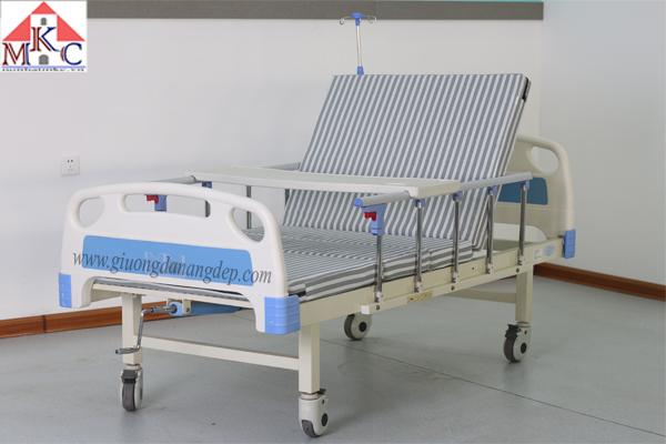 Giường bệnh tay quay MKC-Medical  có 3 chức năng (còn hàng)